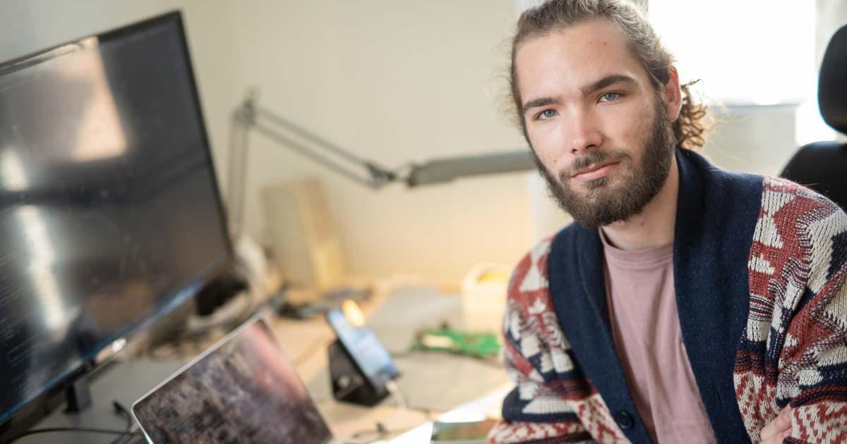 Adrien JACQUER BRET travaille sur l'application de gestion
